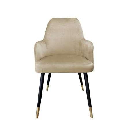 Jasnobrązowe tapicerowane krzesło PEGAZ materiał MG-06 ze złotą nóżką